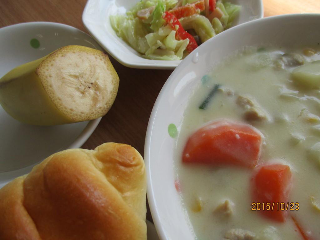 シチュー&キャベツのサラダ
