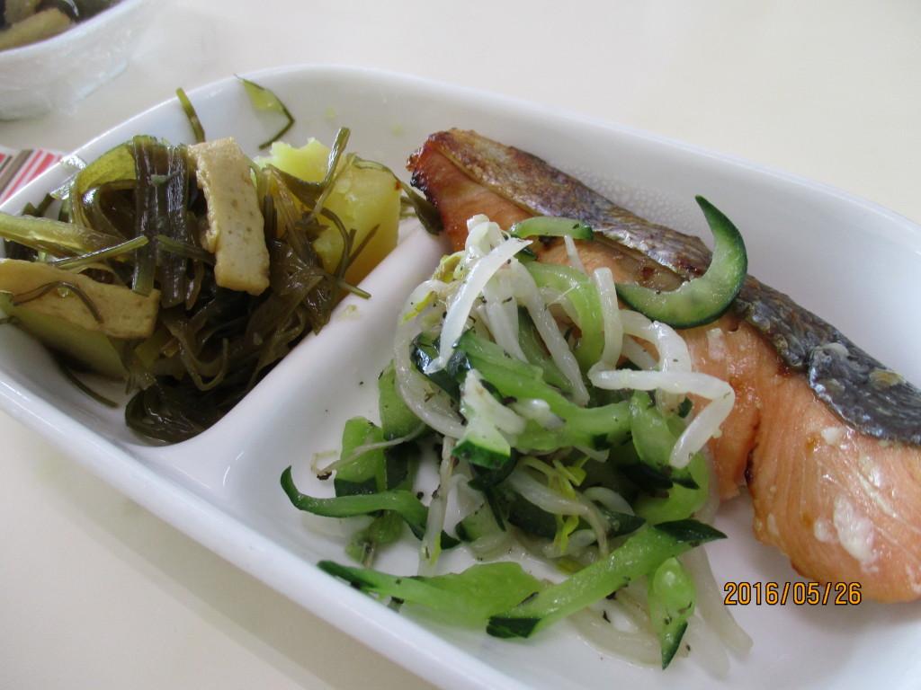 鮭の塩麹焼き&さつま芋と昆布の煮物